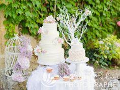 Pas envie de la traditionnelle pièce montée pour votre mariage ? Jetez un oeil à notre sélection de créateurs de Wedding Cakes !