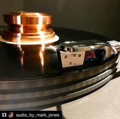 Repost @audio_by_mark_jones ・・・ #Kondo IOM #phonocartridge on a #garrard401 #idler #turntable on an #ikeda #tonearm #analog #analogporn #audiporn #torontomusic #yyzmusic