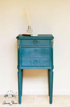 Deze kleur, die is vernoemd naar het type blauw uit 18de-eeuwse Aubusson tapijten, past perfect in een Zweeds interieur.