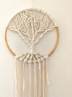 Hand made with Australian natural cotton - Rentier basteln Macrame Wall Hanging Patterns, Macrame Plant Hangers, Macrame Art, Macrame Design, Macrame Projects, Macrame Knots, Macrame Patterns, Macrame Tutorial, Etsy