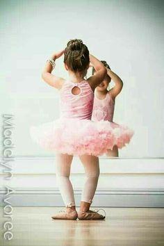 Prima y única ballerina.