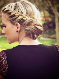 braided updo. can someone please tell me how to do this!!!!!