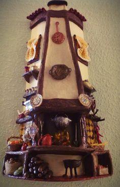Las Manualidades De Erica : Tejas decoradas en relieve Recycling, Clay Houses, Roof Tiles, Clay Art, Gingerbread, Clock, Crafts, Diy, Home Decor