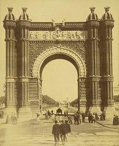 L'Arc de Triomf es va construir com a porta d'entrada a l'Exposició Universal de Barcelona de 1888.