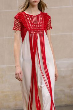 Veronique Branquinho at Paris Fashion Week Spring 2016 - Details Runway Photos Crochet Collar, Crochet Blouse, Crochet Girls, Crochet Woman, Couture Fashion, Paris Fashion, Boho Fashion Summer, Hippie Fashion, Veronique Branquinho
