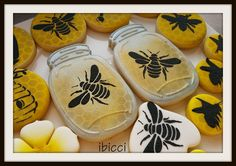Mason Honey pots and bees | Cookie Connection www.facebook.com/ibiccinz