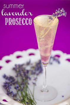 Enjoy these sunny days with a refreshing Summer Lavender Prosecco – a cocktail made with a lavender infused simple syrup and light, fruity, Italian bubbles! Cocktail Syrups, Sour Cocktail, Prosecco Cocktails, Refreshing Cocktails, Summer Drinks, Cocktail Ideas, Summer Food, Sangria, Lavender Drink