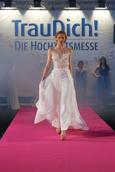 EMANUEL HENDRIK | Jumpsuit with Train | CLAUDIA | Dress - Bride - Wedding | IVORY - Tulle - Lace - Chiffon | Made in Duesseldorf - Germany | Destination Wedding - Beach - Festival - Wild - Modern - Party - Sparkle - Boho - Vintage - Romantic - Lovely - Barn - Glamour - Hollywood | Wedding Dress | Fashion - Bridal Couture
