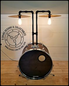 Bass drum and cymbal turned into a light Recycled Decor, Repurposed, Drums Studio, Drum Room, Green Interior Design, Bass Drum, Touch Lamp, Lamp Ideas, Garage Workshop