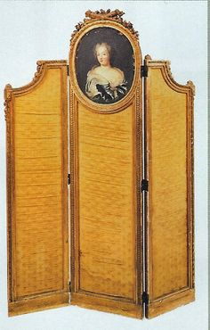 FRENCH CARVED/GILDED THREE PANNELED SCREEN (France)