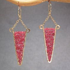 Chandelier earrings choice of stone color por CalicoJunoJewelry