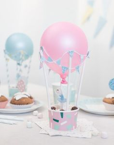 15 Creative Ideas for DIY Birthday Party Decor DIY Party mit Luftballons Baby Party (Visited 1 times, 1 visits today) Diy Birthday Decorations, Balloon Decorations, Homemade Party Decorations, Candy Centerpieces, Balloon Ideas, Diy Ballon, Diy Hot Air Balloons, Hot Air Ballon Diy, Valentine's Day Diy