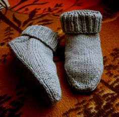 Comfy Sock Slippers free knitting pattern