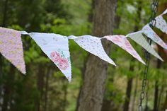 Currently obsessed with bunting - perfect first sewing project.