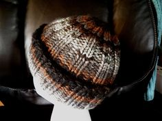 """The Multifaceted Housewife: A """"Manly"""" Hat loom knitting"""