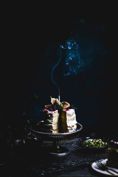 68 best ideas for cake photography styling ideas Delicious Cake Recipes, Yummy Cakes, Dessert Recipes, Dessert Ideas, Dark Food Photography, Cake Photography, Photography Ideas, Gorgeous Cakes, Pretty Cakes