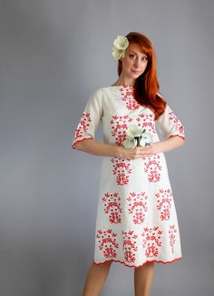 Mod Cream Red Embroidered Short Wedding by gogovintage Second Hand Shop, Embroidered Shorts, Red Army, Island Weddings, Mad Men, Vintage Dresses, 1960s, Floral Design, Summer Dresses