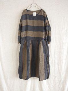 Antiquités linen border × stripe tuck one piece