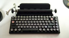 The Qwerkywriter is a mechanical USB keyboard by game developer Brian Min with a design and feel inspired by vintage typewriters.