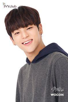 stray kids pics (@straykidspix)   Twitter Fandom, Ivy Club, Kids Web, Stepping Out, Lee Min Ho, Babys, Boy Bands, Boy Groups, Shinee