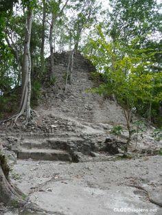 El Mirador Basin Preserve Guatemala - La Danta's Triatic Temple on top level - GLOBOsapiens