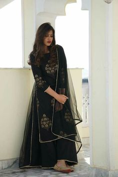 Go classy go Ethnic Code : FB > 62 Price : ( no less ) Fabirc : Top - Tapeta silk with Embroidery work ( Fully Stiched ) upto 42 Plazo : Indo silk ( Fully stiched ) Duppta : Net Ready to ship with Trendy Trend Beauty Fashion Pakistani Dresses, Indian Dresses, Indian Outfits, Mehendi Outfits, Ethnic Outfits, Mehndi, Henna, Long Kurti With Skirt, Kurti Skirt