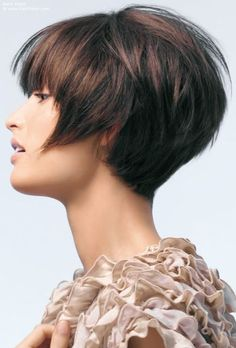 Short And Round Bob With A Tapered Neckline  /  21 Breathtaking Short Bobs