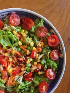 Summer salad with Tahini dressing ~ Salada de Verão com molho de Tahini