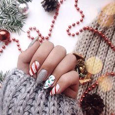 If you are getting ready for the holidays by painting a winter wonderland on your nails, these Cutest Christmas Nail Art DIY Ideas will surely give you a cheerful Christmas season this year. Cute Christmas Nails, Christmas Manicure, Christmas Nail Art Designs, Xmas Nails, New Year's Nails, Holiday Nails, Valentine Nails, Christmas Design, Halloween Nails