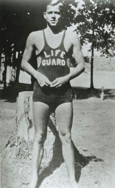 Picture of a young Ronald Reagan in his swim suit. Ronald Reagan was a lifeguard in Lowell Park, Illinois. Past Presidents, American Presidents, American History, 40th President, President Ronald Reagan, Elvis Presley Facts, Facts About America, Lifeguard, Famous Faces