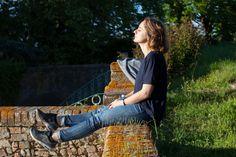 Elena sunbathing at Villa Lena, Tuscany. www.comeoutofthewoods.com