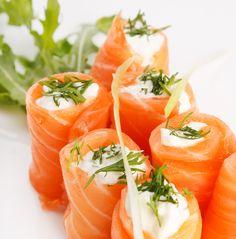 A festa ficou leve: rolinhos de salmão