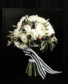 Great bouquet - and I like how they did the ribbon treatment. | REVEL: Black   Ivory Bouquet