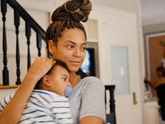 Beautiful Beyonce...no makeup just she and her baby.