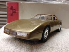 1986  Chevrolet  Corvette Gold  DEALERSHIP PROMO CAR  1:24 Scale ERTL