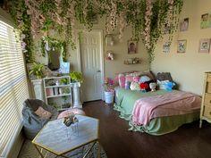 Pink Dorm Rooms, Cool Dorm Rooms, Pink Room, Black Bedroom Design, Army Room Decor, Diy Dorm Decor, Cosy Room, Indie Room, Room Ideas Bedroom
