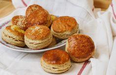 Oškvarkové pagáčiky - recept   Varecha.sk Pretzel Bites, Hamburger, Pancakes, Bread, Breakfast, Food, Basket, Morning Coffee, Brot