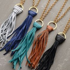 gold chain tassel necklaces-Love the leather tassels Leather Tassel, Leather Necklace, Diy Necklace, Leather Jewelry, Fashion Necklace, Fashion Jewelry, Diy Bracelet, Necklace Holder, Bracelet Charms