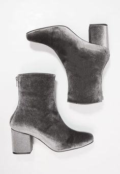 Free People VELVET CECILE - Boots - grey for £89.99 (16/12/17) with free delivery at Zalando
