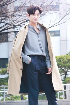 190315 Rowoon at KBS Music Bank Mini Fanmeeting © dimplewoon do not edit, crop, or remove the watermark Asian Actors, Korean Actors, Chani Sf9, Outfit Invierno, Law Of The Jungle, How To Look Handsome, Kdrama Actors, Latest Albums, Fashion Poses