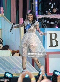 Melanie Martinez is seen at 'Jimmy Kimmel Live' on June 29 2016 in Los Angeles California Melanie Martinez Dress, Melanie Martinez Concert, Crybaby Melanie Martinez, Cry Baby, Divas, Jimmy Kimmel Live, Queen, Grunge Hair, Celebs