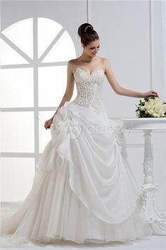 Charming A-line Sweetheart Floor-length Wedding Dress