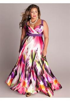 Plus Size Tropical Beauty Maxi Dress Love it, but it would have to be on someone else.