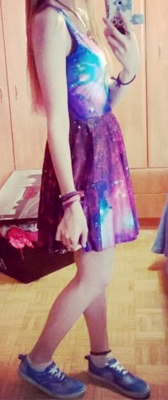 Galaxy dress and DIY galaxy snickers