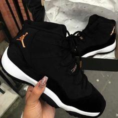 Kickz – Simply Boutiq 123 Source by epapio sneakers jordans Jordan Shoes For Women, Womens Jordans Shoes, Jordans Girls, Jordans Sneakers, Womens Shoes Wedges, Retro Jordan Shoes, Jordan Retro 11 Black, Nike Jordan Shoes, Best Jordan Shoes