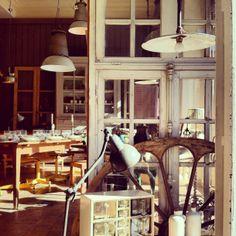 Gelatina de Plata: Buscando muebles vintage por Madrid