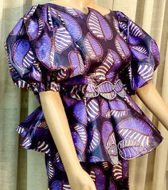 In this look and sew post, stylishnaija presents to you the very latest and best selection of blouses for your elegant skirt and blouse or wrapper and blouse styles. As 2020 is gradually rolling out,… African Wear Dresses, African Fashion Designers, Latest African Fashion Dresses, African Print Fashion, African Attire, African Fashion Traditional, African Print Dress Designs, Baby Girl Dress Patterns, African Shirts
