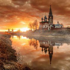 """Beautiful sunset in Russia #PreciousPlanet Photo by Ed Gordeev via @EarthPics"""