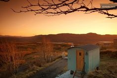 Looking for glamping accommodation in The Highlands? Discover more details/information about Skye Shepherd Huts including facilities, what's nearby & contact details today. Glasgow, Country Breaks, Glamping Holidays, Canopy And Stars, Tiny House Swoon, Rural Retreats, Shepherds Hut, Winter Sunset, Location