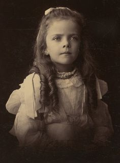 Photograph of Theodore Roosevelt's daughter Alice as a child.
